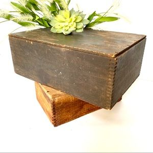 Vintage Finger Link Wood Trinket Hinged Box w Lid